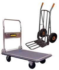 Carros y carretillas para el trasporte de paquetes.