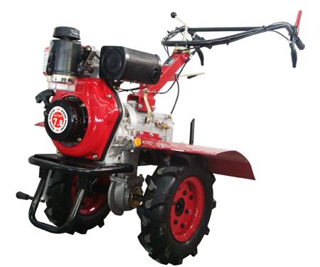 Potente maquina para el arado de tierras fertiles