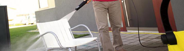 Con las hidrolimpiadoras Karcher puedes limpiar muebles de jardin.
