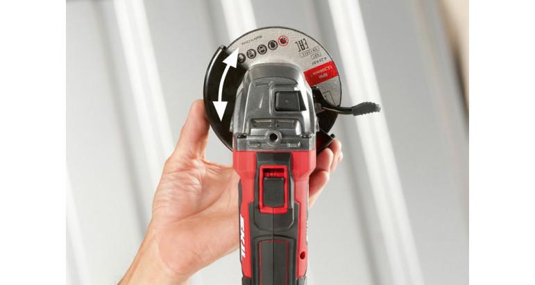 Skil 3920CA Amoladora con sistema click para ajustar la protección de forma sencilla
