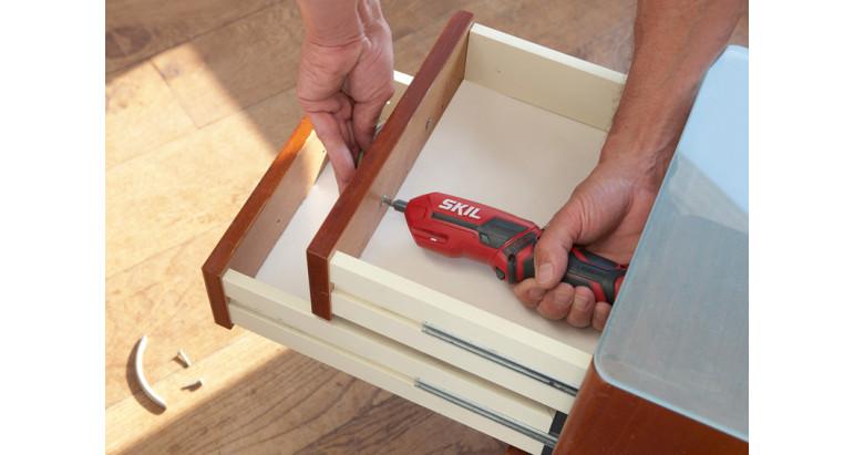 Convierte un Atornillador de pistola en un atornillador recto con el ajuste de pivote para trabajos de dificil acceso