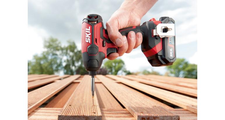 Atornillador de impacto 3210GA Skil perfecto para atornillar en madera