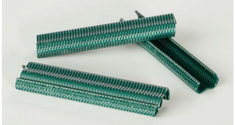 Grapas verdes para vallas tipo omega 16mm 4021