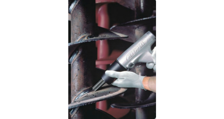 Eliminar restos de soldadura y escoria con martillos de agujas neumáticos Nitto N-JT20