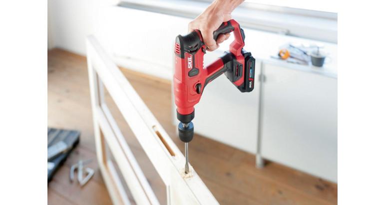 Potente martillo de batería Skil perfecto para trabajos en madera