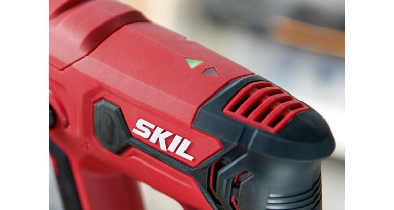 Martillo percutor Skil con indicador led para saber la dirección en la que se está trabajando, atornillador o desatornillado