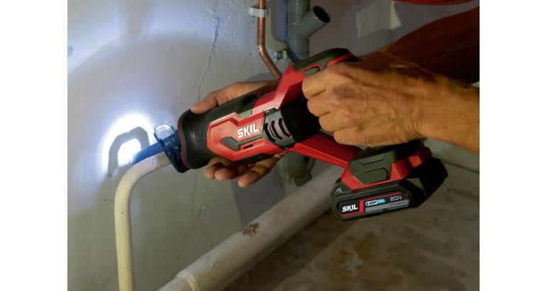 Sierra sable 3470aa con luz  LED para facilitar la visibilidad de trabajo