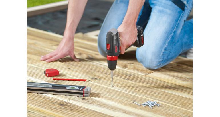 Atornillador taladro batería Skil 2461AA perfecto para atornillar en madera