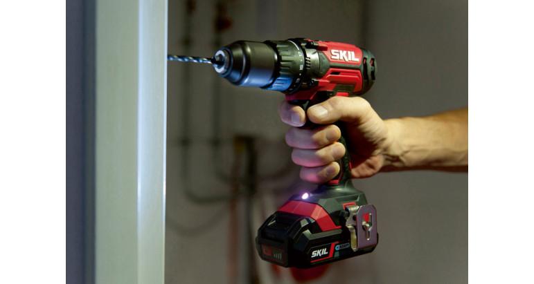 Taladro batería profesional con luz LED para iluminar el area de trabajo