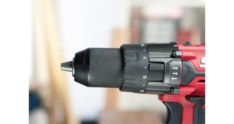 Atornillador skil con tres funciones en una misma herramienta, taladrado, atornillado y taladrado percutor