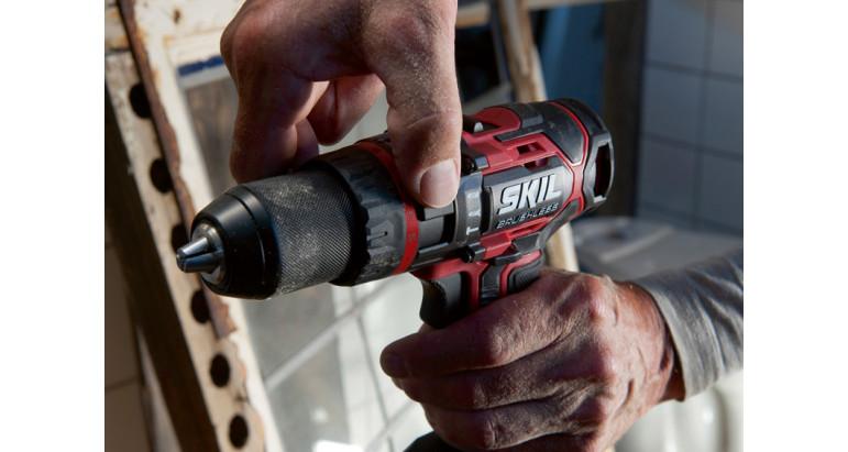 Taladro percutor batería Skil 3070 ca con selector fácil y rapido de función atornillado, taladro o percutor