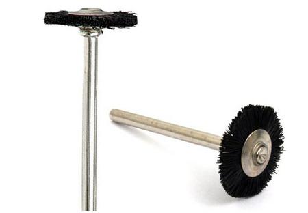 cepillo de cerdas de nylon dremel