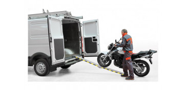 Elevación Sujeción y Transporte de Cargas - RAMPA ALUMINIO PLEGABLE BIPLANA RRL150, 1500 X 200 MM.